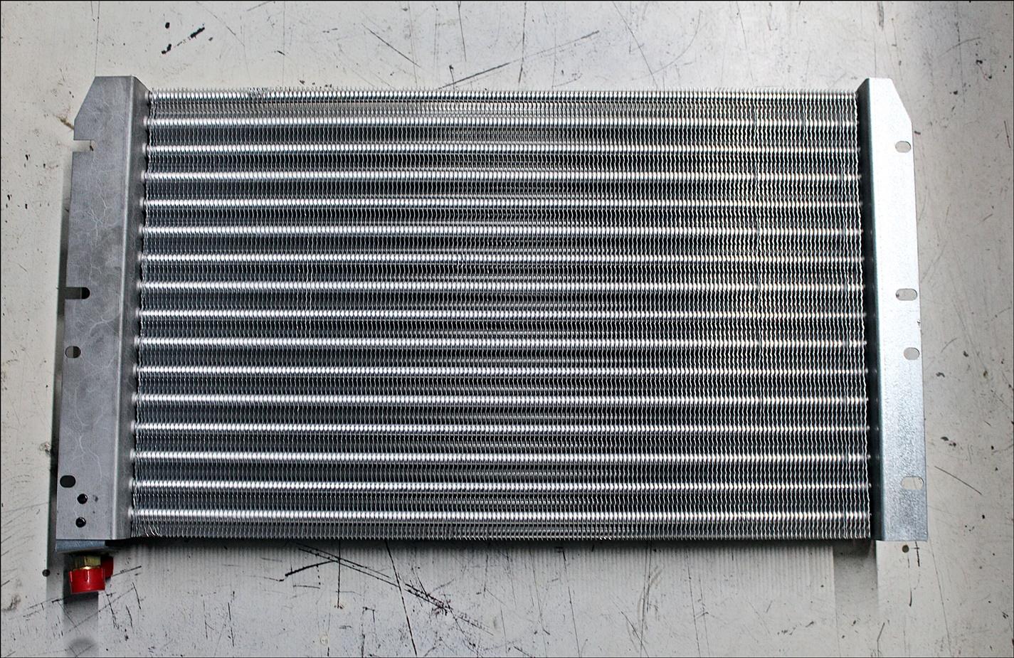 Valtra V36538710 Klimakondensator - Verdichter