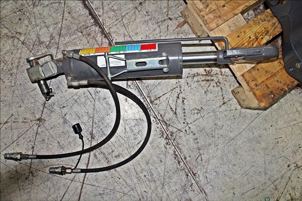 Valtra Hydraulischer Oberlenker ACV078976A G