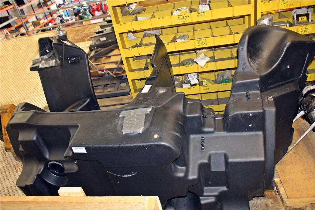 Valtra Kraftstofftank ACV017768B G